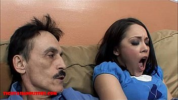 Жаркий секс во время массажа в различных положениях для хрупкой девчонки