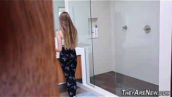 Пикаперы записали русскую девушку и вжарили ее в толчке