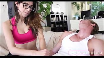 Секс лесбиек с фистингом и жарким куни